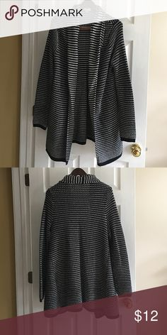 Chunky Black & White Sweater Super comfy sweater. Mid-calf length. NWOT. No pulls, pillings.  Smoke free home. Old Navy Sweaters Cardigans