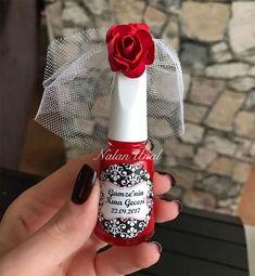 Henna nail polish for henna night gift. - Henna nail polish for henna night gift. You can order web to order . Soap Wedding Favors, Wedding Favors For Guests, Bridal Shower Favors, Wedding Cards, Diy Wedding, Wedding Gifts, Henna Nails, Henna Night, Quinceanera Decorations