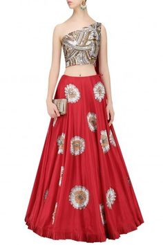 729028 Red and Maroon color family Brides maid Lehenga, Mehendi & Sangeet Lehenga in Silk fabric with Patch work . Pakistani Lehenga, Lengha Choli, Party Wear Lehenga, Lehenga Choli Online, Silk Lehenga, Anarkali, Manish Malhotra Lehenga, Choli Dress, Sharara