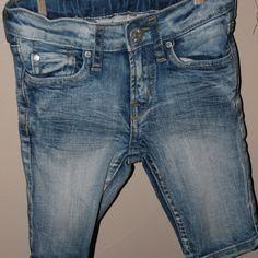 Distressed denim shorts, Size 2/3