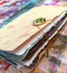Finally! A simple overview on how to create my own #HandmadePaper for #collage…