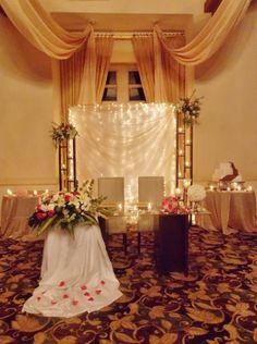 mesa de novios, casacada,de luces,telas,biombos