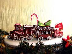 Gingerbread Train, Gingerbread Christmas Decor, Christmas Desserts, Kids Christmas, Christmas Decorations, Xmas, Gingerbread Houses, Christmas Ornaments, Holiday Decor