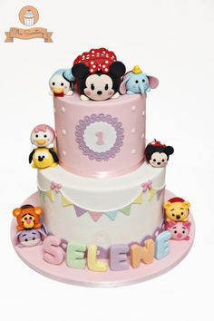 Another Tsum Tsum cake! Seems like the Tsum Tsum fever is catching on. Just can't get enough of the cuteness! Tsum Tsum Birthday Cake, Tsum Tsum Party, Disney Tsum Tsum, Crazy Cakes, Fancy Cakes, Cupcakes, Cupcake Cakes, Theme Mickey, Bolo Mickey