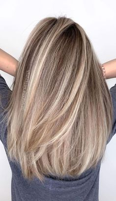 Beige Blonde Hair, Balayage Hair Blonde, From Brunette To Blonde, Blonde Fall Hair Color, Beige Hair Color, Fall Hair Colors, Cool Hair Color, Hair Color Ideas, Hair Color And Cut