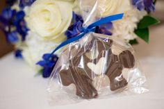 home made chocolate puzzle piece wedding favors    S Rain Photography - Minneapolis St Paul wedding photographer
