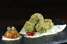 Praline di tonno al crudo, con zenzero, limone e colatura di alici, accompagnate da Chutney di mango e pomodoro