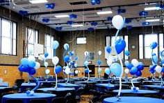 balloon boquets for table center pieces | 1001 Balloon Centerpieces Photos | Balloon Bouquets | WOW! Balloons Balloon Ceiling Decorations, Silver Party Decorations, Balloon Centerpieces, Cheer Banquet, Balloon Wall, Balloon Ideas, Grandmother Birthday, Photo Balloons, Baptism Party
