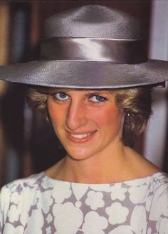 July Princess Diana during the opening of the new Fisher-Price Toy Factory in Peterlee, County Durham. Spencer Family, Lady Diana Spencer, Real Princess, Princess Of Wales, Princess Kate, Diana Fashion, Duchess Of Cornwall, Queen Of Hearts, British Royals