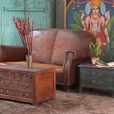 Adding a dark wood coffee table as a centre piece in your living room can make a beautiful focal point. #darkwoods #homedecor #decor #home #homestyle #decorideas #homedecorideas #vintage #vintagefurniture