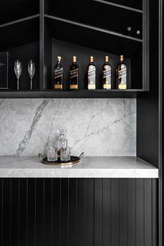 Black Kitchens, Luxury Kitchens, Kitchen Layout, Kitchen Design, Kitchen Ideas, Kings Home, Renovation Budget, Stone Bench, Stone Masonry