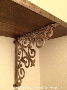 From My Front Porch To Yours: How To Make New Iron Brackets Look Old--Chalk paint! For the island Rustic Decor, Farmhouse Decor, French Farmhouse, Farmhouse Style, Painted Furniture, Diy Furniture, Iron Shelf, Wrought Iron, Decoration