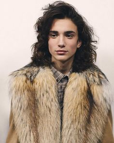 Swooning over these curly haired models.