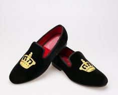 Fashion Men Velvet Slippers Latest Style of Embroidered Loafers Shoes Mules Shoes, Loafer Shoes, Loafers Men, Velvet Slippers, Velvet Shoes, Leather Heels, Leather Men, Leather Jackets, Mens Fashion Shoes