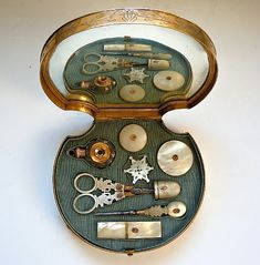 c.1815-1820 Palais Royal Shell sewing kit