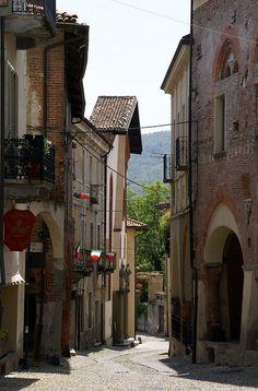 Avigliana, Piazza Conte Rosso
