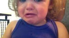 ▶ Fille pleure en écoutant une chanson - Vidéo Dailymotion
