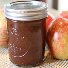 Apples plus a crock pot makes delicious apple butter - 100 Directions Crock Pot Slow Cooker, Crock Pot Cooking, Crock Pots, Canning Recipes, Crockpot Recipes, Cooker Recipes, Crockpot Apple Butter, Healthy Recipes, Apple Recipes