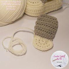 Scarpine tipo CONVERSE uncinetto per neonati Crochet Bebe, Crochet Baby Shoes, Crochet For Boys, Baby Shoes Pattern, Shoe Pattern, Baby Boy Shoes, Baby Booties, Baby Knitting, Stitch