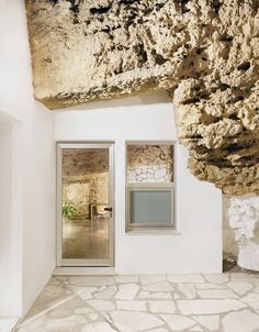 Gallery of House Cave / UMMO Estudio - 4