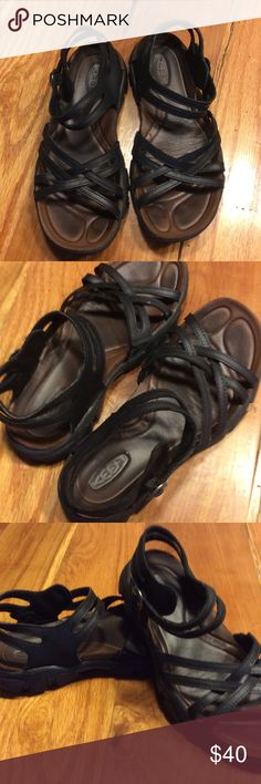Leather Keen Sandals Great used condition leather sandals. Same Keen comfort. Durable leather and good traction for outdoor adventures Keen Shoes Sandals