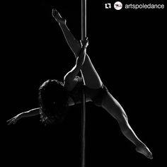 #Repost @artspoledance #SalsaCasinoVenezuela Parte de la sesión fotográfica realizada a cargo del excelente @josepabonfotografia  Alumna: @coraliqui  #Artspoledance #Pole #PdAllegra #Polesancristobal #Poledance #Polesport #poledancers #poledancersofig #mibatitubo  #sancristobal