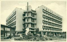 Antwerpen-Kiel - Residentie Jozef Schobbens, Aloïs de Laetstraat Bauhaus, Picture Places, Multi Story Building, Brussel, Modernism, Belgium, Kiel, Modern Architecture, Contemporary Architecture