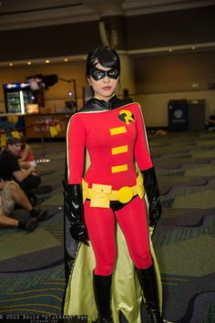 """""""Red Robin"""" (a costume invented by Tim Drake in the comics after he'd already been """"Robin"""" for a long time) - Robin Cosplay, Batman Cosplay, Dc Cosplay, Superhero Cosplay, Best Cosplay, Cosplay Girls, Cosplay Costumes, Purim Costumes, Batgirl And Robin"""
