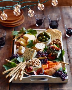 Antipasto, the perfect appetiser to a pizza party. Gives your guests a chance to nibble on some hearty ingredients, in which you can showcase what you will be using on your pizzas. Wine And Cheese Party, Wine Cheese, Queso Cheese, Goat Cheese, Cheddar Cheese, Cheese Fruit, Cheese Food, Food Platters, Cheese Platters