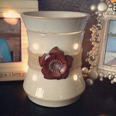 Roselyn Premium Scentsy Warmer Brings The Rustic Charm Of Country Indoors U A Bold