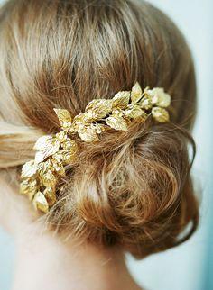 Elsa Billgren for The Wild Rose Bridal headpiece by Fabricflorals
