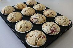 Muffins med hindbær og hvid chokolade 24 pers. med billede Endnu en opskrift fra Alletiders Kogebog blandt tusindevis opskrifter.