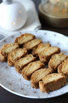 Biscuits, French Toast, Muffins, Cookies, Breakfast, Food, Kitchen, Drizzle Cake, Almonds