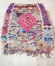 Vintage Moroccan Rag Rug BOUCHEROUITE pink por lacasadecoto, €155.00