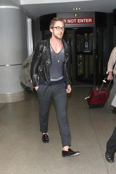 Usually I would hate this outfit but Ryan definitely rocks it
