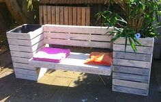 Pallet Ideas : Want to renew your house with wooden pallet furnishing? We are the right place for you. Visit us & get to know a lot of pallet ideas. Furniture Layout, Pallet Furniture, Outdoor Furniture Sets, Furniture Ads, Unique Furniture, Furniture Design, Planter Bench, Patio Bench, Outdoor Planters