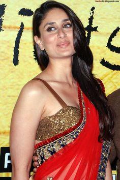 Kareena Kapoor at 3 Idiots premiere 2009 Indian Bollywood Actress, Beautiful Bollywood Actress, Most Beautiful Indian Actress, Beautiful Actresses, Kareena Kapoor Bikini, Kareena Kapoor Pics, Hot Actresses, Indian Actresses, Sanjay Kapoor