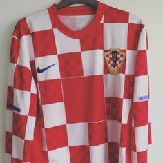 2011-12 Croatia shirt L - get your classic Croatia shirt on http://ift.tt/1dRUZVs for 15 #football #footballshirt #footballshirtcollective #soccer #soccershirt #croatia #croatiafootball #classicfootball #euro2016 #nike #nikefootball