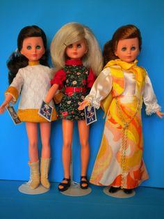 Vintage Barbie, Vintage Dolls, Barbie Friends, Velvet, Summer Dresses, Pattern, Euro, Italy, Life