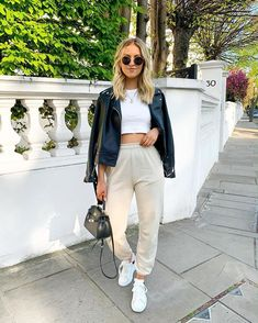 Pants, 20£ at prettylittlething.com - Wheretoget