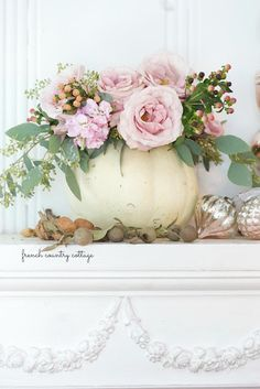 Create a beautiful pumpkin bouquet centerpiece in 5 easy steps -  It is that time of year when carving pumpkins is all the rage and grinning   jack o lanterns start...