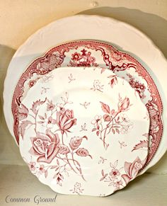 Tudor Roses by Meakin. Tudor Roses by Meakin. Red Plates, Vintage Plates, Vintage Dishes, China Plates, French Decor, French Country Decorating, Antique China, Vintage China, Red Cottage