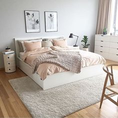 All the heart eyes for the bedroom of @byidaryding  #bedrooms #bedroominspo #bedroomdecor #scandinavian #scandinavianhome