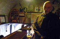 #Bled - natürlich gibt es auch einen Weinkeller auf der Bleder Burg #Wein #Weinkeller #Burg #askEnrico #Urlaub # Slowenien Hotels, Restaurant, Europe, Wine Cellars, Slovenia, Vacation, Viajes, Diner Restaurant, Restaurants