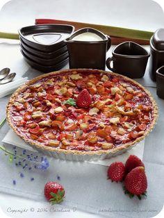 Catalina pece: Rebarborový koláč s jahodami a crème anglaise