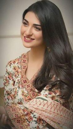 Dia Mirza is now UN environmental goodwill ambassador Pakistani Models, Pakistani Girl, Pakistani Actress, Pakistani Dresses, Cute Beauty, Beauty Full Girl, Cute Girl Photo, Celebs, Celebrities