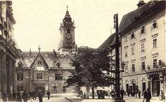 Primaciálne námestie so starou radnicou v roku 1926 Old Street, Architecture Old, Homeland, Times, Castles, Squares, Photography, Travel, Country