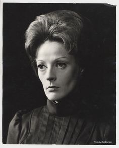 Maggie Smith inHedda Gabler1970 directed by...   National Theatre blog