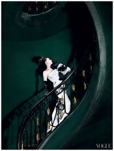 Anne Hathaway. Photo: Mario Testino. Vogue 2010
