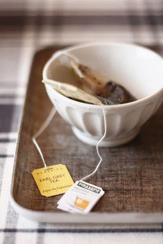 noperfectdayforbananafish: After dinner tea (by souvenirs du passé récent)